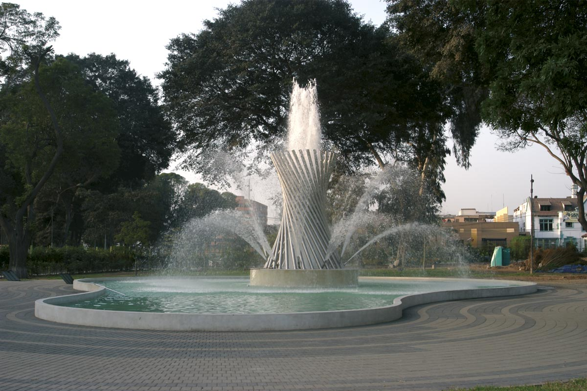 Parque de la Reserva Group of Fountains: Fountain of Life